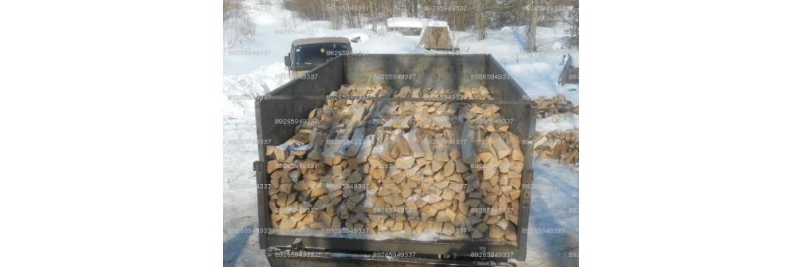 укладка дров березовых
